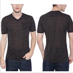 ⭐️ Guess V Neck William Tee